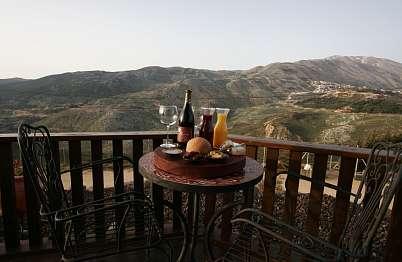 """ארוחת בוקר לנוף ההרים ב""""גג העולם"""""""