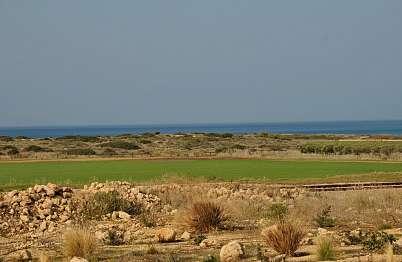 שמורת חוף דור וחוף הים נשקפים ממרפסת הדק